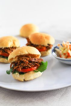 Slow cooked in lime paprika and spices sauce and served with mini burger buns lettuce and tomato! Mini Burger Buns, Mini Burgers, Crock Pot Cooking, Cooking Recipes, Cookbook Recipes, Crockpot Recipes, My Favorite Food, Favorite Recipes, Chicken Minis