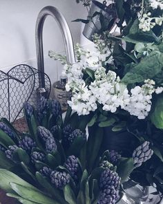 A sink full of beautiful flowers ..cottage smells gorgeous