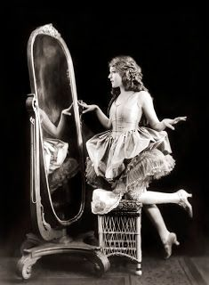 A Mythical Monkey writes about the movies: Mary Pickford In The Poor Little Rich Girl
