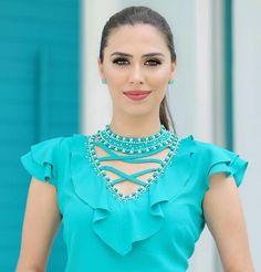 Diy Fashion, Ideias Fashion, Womens Fashion, Fashion Trends, Kurti Neck Designs, Blouse Designs, Moda Chic, Buy Dress, Dresses Online
