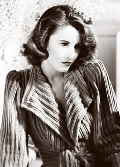 Barbara Stanwyck. Sometimes, I can get my hair to do that on it's own...if only it lasted