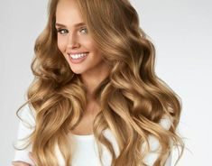 Beautiful Curly Hair Smiling Girl With Healthy Wavy Long Blonde Hair Portrait Happy Warm Blonde Hair, Honey Blonde Hair Color, Golden Blonde Hair, Dark Hair, Dark Golden Blonde, Bob Balayage, Balayage Hair Blonde, Blonde Ombre, Ombre Hair