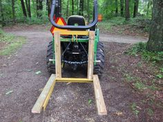 Tractor Carry-all . how to build your own w/ TSC carryall frame Tractor Drawbar, 8n Ford Tractor, Tractor Accessories, Tractor Attachments, Compact Tractors, Tractor Supplies, Steam Engine, Wood Screws, Build Your Own
