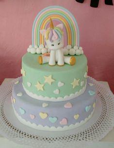 Torta unicornio y arcoiris Baby Birthday Cakes, Unicorn Birthday, Little Pony Cake, Kids Party Themes, Cute Cupcakes, Fondant Cakes, Party Cakes, Amazing Cakes, Kids Meals