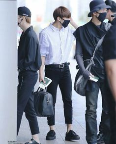 jungkook airport fashion Being forced to marry a man you dont know can make any girl angry. Sadly you have to agree to it not knowing what kind of a guy he is, nor knowing how he looks like. Bts Airport, Airport Style, Airport Photos, Kpop Fashion, Korean Fashion, Airport Fashion, Guy, Jeon Jeongguk, Kpop Outfits