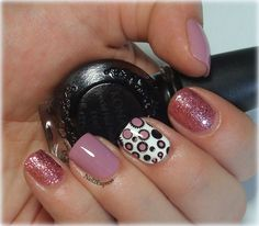 Light purple with pink skittlette manicure