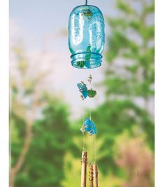 A #DIY @Ball® Canning jar windchime makes a fun outdoor decoration! #creativitymadesimple
