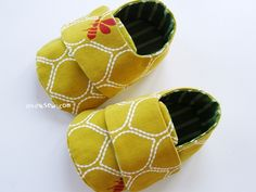 Cute baby booties to sew.