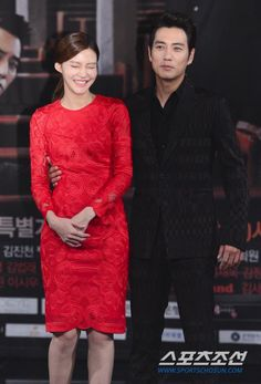 cha ye ryun and joo sang wook - Korean Celebrity Couples, Korean Celebrities, Joo Sang Wook, Korean Actresses, Red Carpet, Singing, Formal Dresses, Style, Fashion