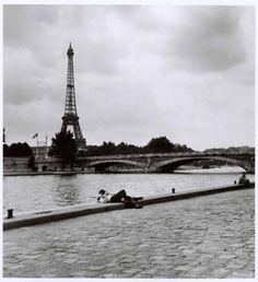 1952 - Eiffel Tower, Paris (Robert Capa)