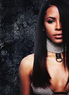 Fanpage dedicated to the late, great & beautiful Aaliyah Dana Haughton. Rip Aaliyah, Aaliyah Style, Aaliyah Songs, My Black Is Beautiful, Beautiful People, Beautiful Women, Aaliyah Pictures, Hip Hop, Beauty Skin