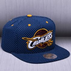 02655fa2996 Mitchell   Ness NBA Cleveland Cavaliers Dotted Cotton Snapback Kepurė