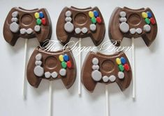 GAME CONTROLLER LOLLIPOPS - 8 Count  You choose the base color. The top of the controller colors will be as shown in the photos.  These are large pops. Each weighs 2.7 oz. **************************************************************** All treats are made to order as close as possible