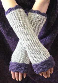 Wrist warmers free pattern, gee, this is a sweetie of a design. Thanks for the share! xox