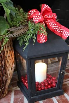 Picture Of cool christmas lanterns decor ideas for outdoors 5 Christmas Porch, Easy Christmas Crafts, Outdoor Christmas, Simple Christmas, Winter Christmas, All Things Christmas, Christmas Entryway, Rustic Christmas, Christmas Ideas