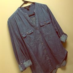 Comfy Nine West Jean Button Up Adorable Jean top - perfect with a summer skirt or white shirts this Spring/Summer. Great condition Nine West Tops Button Down Shirts