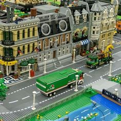 City Layout, Lego Army, Lions Gate, Amazing Lego Creations, Lego Builder, Lego Modular, Lego Room, Futuristic City, Lego Worlds