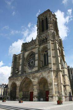 Cathedrale Saint-Gervais Saint-Protais (Soissons) - TripAdvisor Saint Gervais, Notre Dame, Trip Advisor, Saints, France, Building, Travel, Places, Viajes