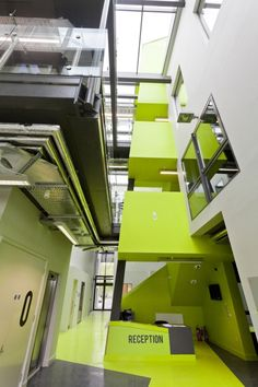 Green Incubator / Plus Three Architecture.