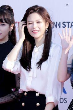 Twice-Jeongyeon 190424 The Fact Music Awards Twice Jungyeon, Twice Kpop, Suwon, South Korean Girls, Korean Girl Groups, Love Of My Live, Work Hard In Silence, K Pop Music, Tan Skin