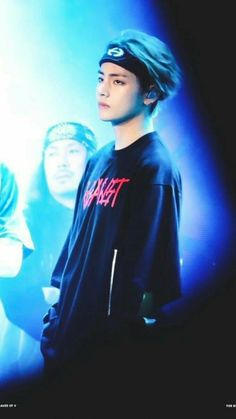 Image discovered by ੈ♡˳ᴍʏ ᴛɪᴍᴇ ✰. Find images and videos about kpop, bts and v on We Heart It - the app to get lost in what you love. Bts Taehyung, Jimin, Bts Bangtan Boy, Bts Boys, Foto Bts, K Pop, V Smile, Bts Kim, V Bts Wallpaper