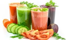 According to multiple scientific studies, juicing is one of the most effective ways to prevent chronic diseases including cancer, diabetes, and heart disease. It is actually a hidden remedy for many cancer patients. The cancer-fighting juice recipes inclu Detox Kur, Dieta Detox, Weight Loss Tea, Lose Weight, Smoothie Detox, Smoothie Recipes, Juice Smoothie, Jamba Juice, Protein Recipes