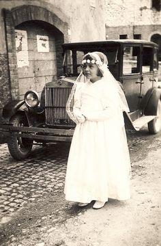 First communion (Prima Comunione) around 1940, Italy.