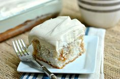 1111111111111 Apple Pie Poke Cake - rather than sweetened condensed milk, use a caramel ice-cream sauce, and then sprinkle cinnamon over topping) Apple Desserts, Cookie Desserts, Apple Recipes, Just Desserts, Sweet Recipes, Delicious Desserts, Poke Cake Recipes, Poke Cakes, Cupcake Cakes