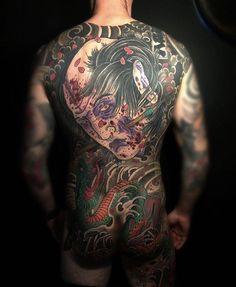"""Awesome namakubi and hebi by @lenleye_cot  #japanesecollective #japanesetattoo #irezumi #namakubi #hebi #snake tattoo"""