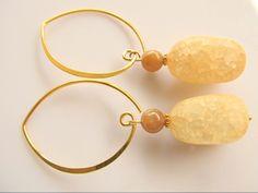 Oorbellen Free Sun gele nugget bergkristal met zonnesteen en grote ronde oorhaak. geheel goud op zilver.