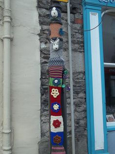 awesome yarnbomb in Kendal, UK