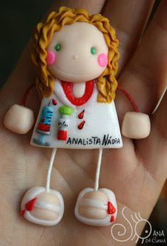 Mundo das Bonecas * Joana da Cunha: Boneca Técnica de Análises Clínicas