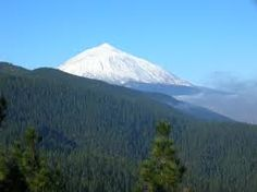 ✔ To visit the Teide National Park in Tenerife (Canary Islands).