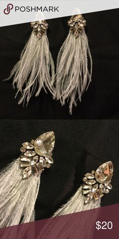 Feather earring Elegant handmade natural ostrich feather earring with clear diamond rhinestones. Ty's Jewelry Earrings