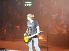 "Keith Urban plays classic guitar riffs (Sweet Home Alabama-Lynard Skynard ---- You Shook Me All Night Long-AC/DC ---- Smoke On The Water-Deep Purple ---- Stairway To Heaven-Led Zeppelin ---- Walk This Way-Aerosmith ---- Intro to ""You Look Good In My Shirt"") - Lexington, Kentucky - April 2008 #keithurban"