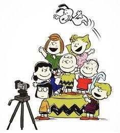 Peanuts Christmas, Charlie Brown Christmas, Charlie Brown And Snoopy, Christmas Carol, Charlie Brown Characters, Peanuts Characters, Peanuts Movie, Peanuts Snoopy, Snoopy Hug
