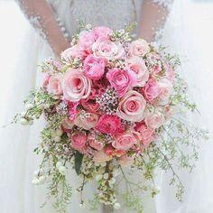 Buquê de rosas e com mosquitinho