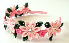 Diadema de flores de tela Kanzashi rosa. . por JuLVa en Etsy