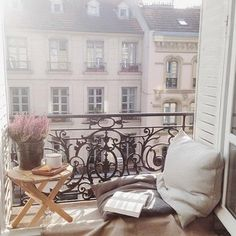 French Balcony - Cozy Places, Cozy Interior Design Concepts and Decor Ideas European Apartment, Cozy Apartment Decor, Apartment Ideas, Paris Apartment Interiors, Apartment Goals, French Balcony, Paris Balcony, Tiny Balcony, Balcony Door