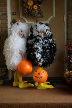 Feather boas to create a baby chick costume! #halloween2012