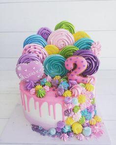 Яркий торт для маленькой Елизаветы !!!!
