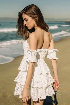 Bridget Satterlee, Good Looking Women, Girl Photo Poses, Elegant Outfit, Beauty Women, Female Models, Fashion Photography, Prom Dresses, Glamour