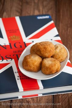 Fried parmesan risotto balls // feed me up before you go-go