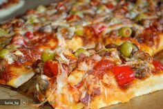 Pizza si Un Aluat Dupa O Reteta Jamie Oliver cu gris/poate fi congelat Jamie Oliver, Calzone, Home Recipes, Hawaiian Pizza, Vegetable Pizza, Dinner, Bacon, Cooking, Pizza