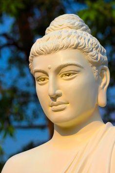 Buddha Face, Buddha Zen, Gautama Buddha, Buddha Buddhism, Buddhist Art, Black Buddha, Buddha Temple, Buddha Sculpture, Sculpture Art