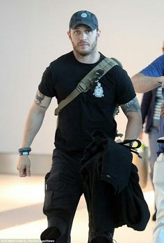 Tom Hardy Sept 2014 airport... Yum ❤