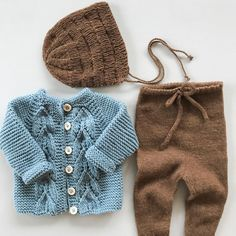 Så heldig eg er som har fått ein ny tremenning 💙 - Kinder Ideen Baby Boy Knitting Patterns, Knitting For Kids, Baby Knitting, Baby Outfits, Kids Outfits, Baby Cardigan, Kids Winter Fashion, Kids Fashion, Fashion Fashion