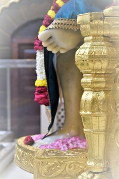 Sai Baba Wallpapers, Sai Baba Photos, Om Sai Ram, Goddess Lakshmi, God Pictures, God Loves Me, God Is Good, Ganesha, Blessing