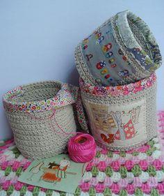 crocheted bins w/ fabric edges - (idea)