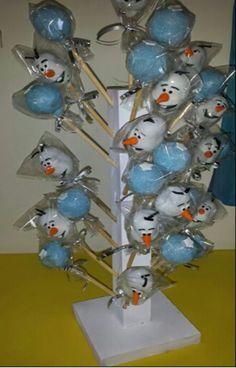 #frozen #mesadepostres #cakepopsfrozen #yupi #linfranco #fiestasinfantiles#yupirecreacion www.yupirecreacion.com